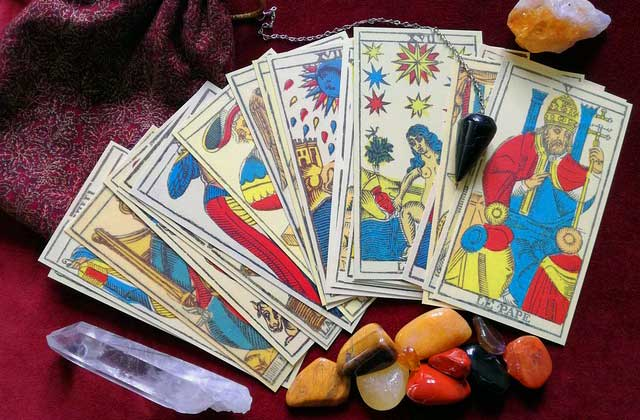 Consulta el Tarot del Amor del Sí o No gratis